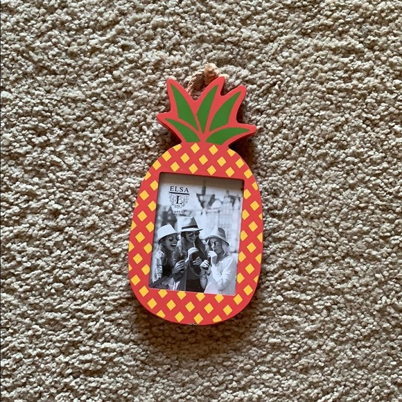 *BRAND NEW* pineapple themed 3x4 picture frame NWT